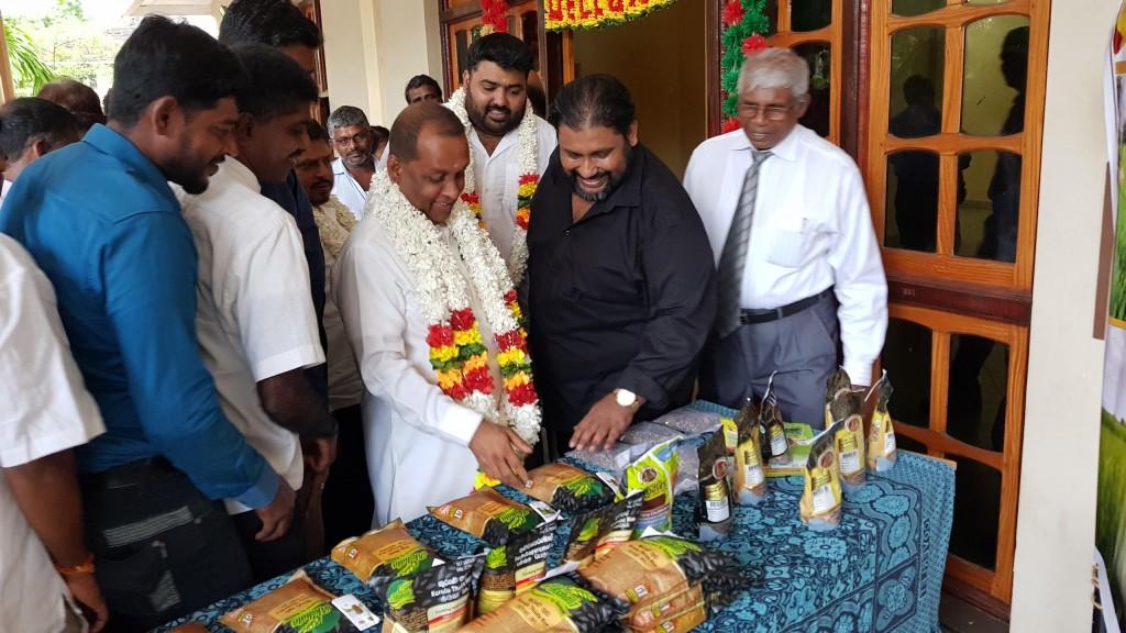 roshan perera-mahinda amaraweera-Angajan Ramamanthan-traditionan sri lankan rice-srilankanrice-akshtata